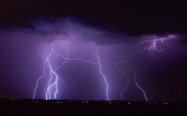 漏電や雷による被害が増えておりますご注意を・・・。サムネイル